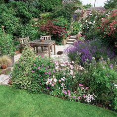 Garten Terrasse Wohnideen Möbel Dekoration Decoration Living Idea Interiors home garden - Gartentisch und etablierte Grenzen