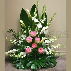 W Produto de flores: Harmonia - Floral arrangements - Contemporary Flower Arrangements, Tropical Flower Arrangements, Funeral Flower Arrangements, Altar Flowers, Church Flowers, Funeral Flowers, Wedding Flowers, Buy Flowers Online, Order Flowers