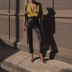 Petra making us fall in luv all over again with our signature Le Funk 🐍 Classy Outfits, Chic Outfits, Trendy Outfits, Fashion Outfits, Fashion 2020, Love Fashion, Autumn Fashion, Fashion Looks, Elegantes Outfit