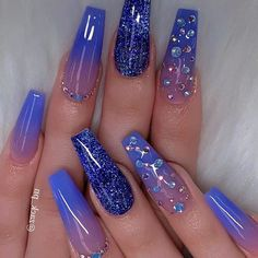 Nail Art Designs 💅 - Cute nails, Nail art designs and Pretty nails. Blue Ombre Nails, Blue Acrylic Nails, Summer Acrylic Nails, How To Ombre Nails, Blue Nails With Glitter, Summer Nails, Blue Gel Nails, Pretty Nails For Summer, Blue Coffin Nails