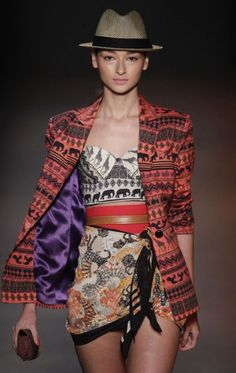 rio fashion week - african prints - actually loving the energetic prints! #fashion #runway