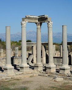 Perge columns mountains. TÜRKİYE