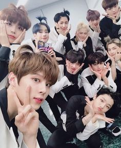 aghhh hyeongjun's look is killing me so much. I love everyone's hair. and our appa seungwoo is looking great too i got to mention uwwuwuwuwuuwwuwuwu! come talk to me about