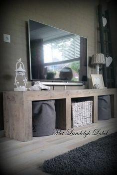 Prijs € 649,= (vanaf 120 cm breed) Stoer tv meubel van oud grenen. Ook mogelijk…
