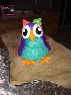 More of the owl cake