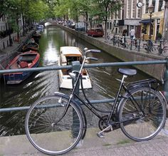 Amsterda, Holland, Bikes and Boats in Spring - Bussines and Marketing: I´m looking forward for a new opportunity about my degrees dinamitamortales@ gmail.com