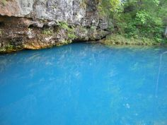 The Sapphire Spring In Missouri That's Devastatingly Gorgeous Lake of the Ozarks Weekend Trips, Day Trips, Dream Vacations, Vacation Spots, Vacation Ideas, Blue Springs Missouri, Cool Places To Visit, Places To Travel, Travel Destinations