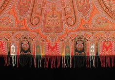 This is a very nice example of the best of the shawls that were woven in Paisley, Scotland. It shows how the cone shape of the original Indian and Persian shawls metamorphosed into elegant European arabesque forms Paisley Park, Borders And Frames, Paisley Pattern, Arabesque, 19th Century, Paisley Scotland, Weaving, Museum, Textiles