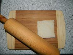 """Bacon French Rolls      Die Bacon French Rolls eigenen sich perfekt als Vorspeise/Fingerfood, Hauptspeise, als kleiner Snack zwischendurch oder auch kalt. Die Kombination ist einfach genial.  Das Original Rezept stammt von """"Klaus grillt"""".           Portionen: 6  Vorbereitung:  15 Minuten  Wartezeit: 0 Minuten  Grillzeit: 20-25 Minuten  Garmethode: indirekt  Temperatur: 180-190°C  Zubehör: Nudelholz, Koncis Ofenform, Pinsel    Zutaten:       6 Scheiben American ..."""