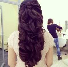 35 New Wedding Hairstyles to Try. To see more: http://www.modwedding.com/2014/03/26/35-new-wedding-hairstyles-to-try/ -  For more amazing ideas visit us at http://www.brides-book.com and remember to join the VIB Ciub