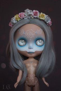 Irene Garcia custom Blythe. I want one!
