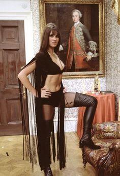 Hammer Horror, Dracula 1972AD, Caroline Munro