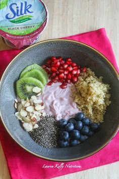 Healthy Breakfast Bowl @LoveMySilk #SpoonfulOfSilk #vegan #dairyfree