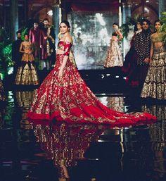 Deepika Padukone & Fawad Khan Set The Ramp On Fire In India Fashion Show - Fashion Hacks Manish Malhotra Bridal, Bridal Lehenga, Shaadi Lehenga, Lehenga Gown, Indian Lehenga, Sarees, Couture Week, Deepika Padukone, Latest Bridal Dresses