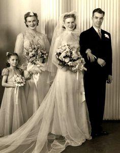 1940s/50s Vintage Wedding photo with unique wedding veil | eBay
