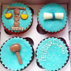 Cupcakes personalizados para grado y eventos empresariales. Haz tus pedidos al (1) 625 1684 o al 317 657 5271 o visítanos en la Cra 11 No. 138 -18 L3 en Bogotá. #SoSweet #PasteleríaArtesanal #Repostería #Pastelería #PastryShop #Cupcakes #CupcakeFactory #CupcakesEnBogotá #Bogotá www.SoSweet.com.co