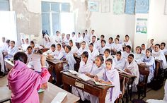 Menstrual hygiene lesson in Pakistan