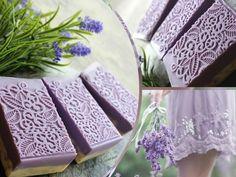 Jabón de lavanda y magnolia. Lavender soap and magnolia.