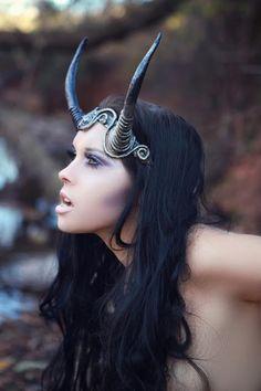 <3<3<3 #faerie or daemon