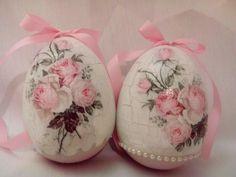 Veľkonočné vajíčka - ruže. Easter eggs - rose.