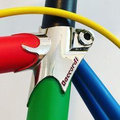 #Lovely #Daccordi #Lugs . . . . #steelisreal #singlespeed #custompaint #vintagebike #luigidaccordi #columbustubing #columbustubi #slx #columbusslx #steelframe #restauration #bicycle #bike #bicicletta #vélo #sugino #campagnolo #rainbowjersey #rennrad #roadbike #bicidacorsa #bicidastrada