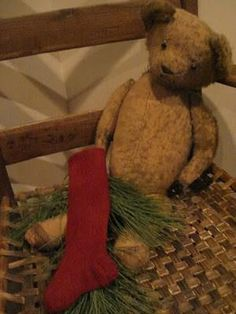 A Primitive Christmas Little Christmas, Winter Christmas, All Things Christmas, Christmas Home, Christmas Crafts, Christmas Decorations, Christmas Ideas, Nutcracker Christmas, Winter Holidays