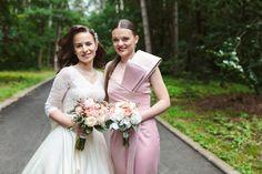 Romantic Wedding in Zalau Flower Bouquets, Bridal Flowers, Wedding Bouquets, Wedding Dresses, Greece Wedding, Romantic Weddings, Brie, Beautiful Bride, Pastels