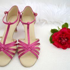Farebné svadobné topánky, sandálky,  Barevné svatební boty, Colour wedding shoes, magenta Navrhnite si aj vy pohodlnú obuv v tanečnom štýle podľa svojho vkusu. Obuv upravujeme na bežné nosenie vonku. :-) Sandals, Shoes, Fashion, Moda, Shoes Sandals, Zapatos, Shoes Outlet, Fashion Styles, Shoe
