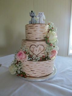 Cakes by Catie Conway AR Fondant tree bark wedding cake