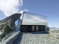 savioz fabrizzi architectes, the tracuit mountain hut (altitude 3256 metres) belongs to the chaussy section of the swiss alpine club and is situated in the val d'anniviers, in the Contemporary Architecture, Architecture Details, Architecture Design, Master Thesis, Private Club, Outdoor Landscaping, Building Design, Skyscraper, House Styles