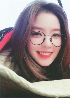 Imagem de red velvet, irene, and kpop Red Velvet アイリン, Irene Red Velvet, Seulgi, Kpop Girl Groups, Kpop Girls, Korean Girl, Asian Girl, Red Valvet, Ulzzang Girl