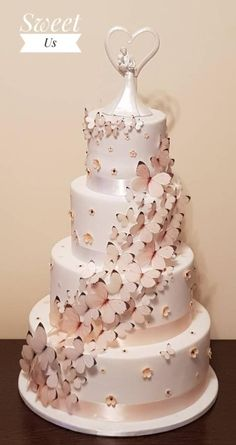 Wedding cake with butterflies by Gabriela Doroghy