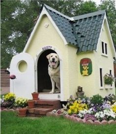 How to Build A Dog House Dog House Designs Ideas How to Build A Dog House. Dog houses are now not just a matter of shelter for dogs. I Love Dogs, Cute Dogs, Awesome Dogs, Cool Dog Houses, Amazing Dog Houses, Dream Houses, Tiny Houses, Animal House, Dog Bed