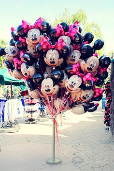 Image uploaded by Ana Júlia. Find images and videos about girl, fashion and cute on We Heart It - the app to get lost in what you love. Bubble Balloons, Foil Balloons, Bubbles, Balloons Galore, Dear World, Disney Birthday, Birthday Ideas, Happy Birthday, The Balloon