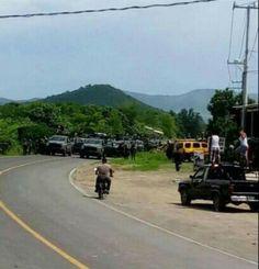 #DESTACADAS:  Tensión en Tepalcatepec: presencia militar desata llamado masivo de autodefensas (Videos) - proceso.com.mx