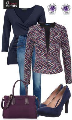 Schöner Businesslook aus blauem Oberteil, Jeans und einem BLazer mit Muster... #fashion #fashionista #mode #damenmode #frauenmode #frauenoutfit #damenoutfit #bekleidung #kleidung #frauen #style #inspiration #highheels #lila #blau #violett