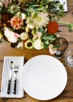 messy flowers and stripey linens