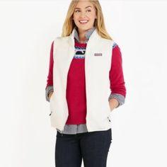 White vineyard vines vest Marshmallow color Vineyard Vines Jackets & Coats Vests