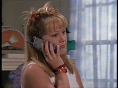 """""""25 Important Fashion Lessons from Lizzie McGuire."""" This is one of the best things I've ever seen haha"""