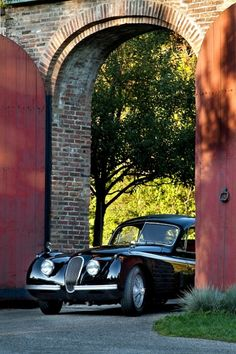 1953 Jaguar XK120 FHC SE | Fixed Head Coupe | Special Equipment | Upgrades on the Special Equipment included increased power, stiffer suspension and dual exhaust system
