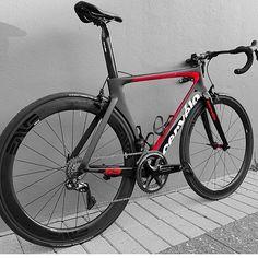 "2,274 Likes, 4 Comments - Loves road bikes (@loves_road_bikes) on Instagram: "" Cervelo S5 @bs16bicyclesolutions #lovesroadbikes #cervelos5 #cervelo #shimano…"""