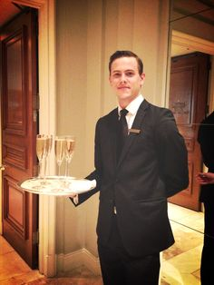 It's an exciting day in the lobby as we wish our guests good luck at the #oscars with a glass of #Champagne. #oscars2013 #academyawards #luxury #hotels