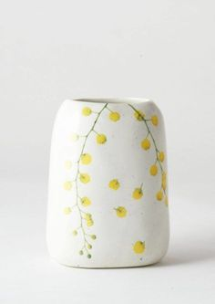 The Angus & Celeste range of Pebble Vases features imagery of Australian native botanicals on highly crafted ceramics to decorate your living spaces. Pottery Painting, Ceramic Painting, Ceramic Art, Contemporary Ceramics, Modern Ceramics, Ceramic Pottery, Pottery Art, Pottery Classes, Organic Form