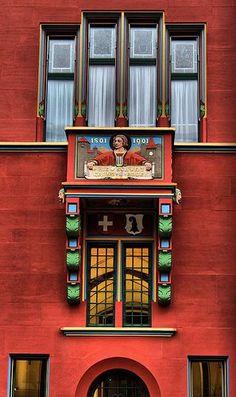 TOWN HALL WINDOW. BASEL, SWITZERLAND | Flickr: Intercambio de fotos