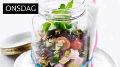 NYDELIG: Finn frem syltetøyglasset og ha denne nydelige salaten oppi!