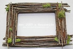 Spring is in the air, can you feel it? I'm ready to add some LIFE back into our home after a long, chilly season indoors and I've found 15 great Easter and spring DIY ideas. Nature Crafts, Decor Crafts, Diy And Crafts, Wedding Crafts, Diy Wedding, Twig Art, Diy Holz, Wood Picture Frames, Wood Frames