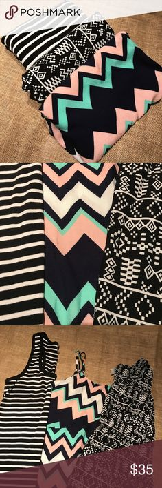 3 dress bundle The listing is for all 3 dresses! What a steal! 😉 All size XL. One is a maxi dress which is the black and white striped. The light pink mint and dark blue chevron print, has a flowy top. Then the black and white printed dress features a cinched waistband with light flowy material. Dresses