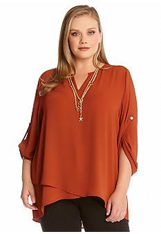 Not my color, but love the layers and style of this shirt.