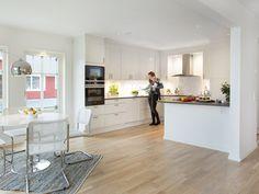 Det är husets hjärta, och ofta den plats i hemmet där vi tillbringar större delen av vår vakna tid. Men hur ska man tänka när man inreder sitt nya kök? Fredrik Norström på HTH - Myresjöhus köksleverantör - delar med sig av sina bästa tips.