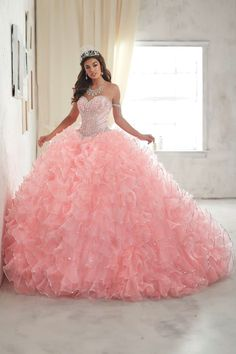 of Wu Quinceanera Dress Style 26845 Look and feel beautiful in a House of Wu Quinceanera Dress Style Number 26845 during your Sweet 15 party or any formal event. A delightful sweetheart neckline sets the stage for the clusters of sparki Xv Dresses, Quince Dresses, Fashion Dresses, Formal Dresses, Pageant Dresses, Sweet 15 Dresses, Pretty Dresses, Beautiful Dresses, Crazy Dresses